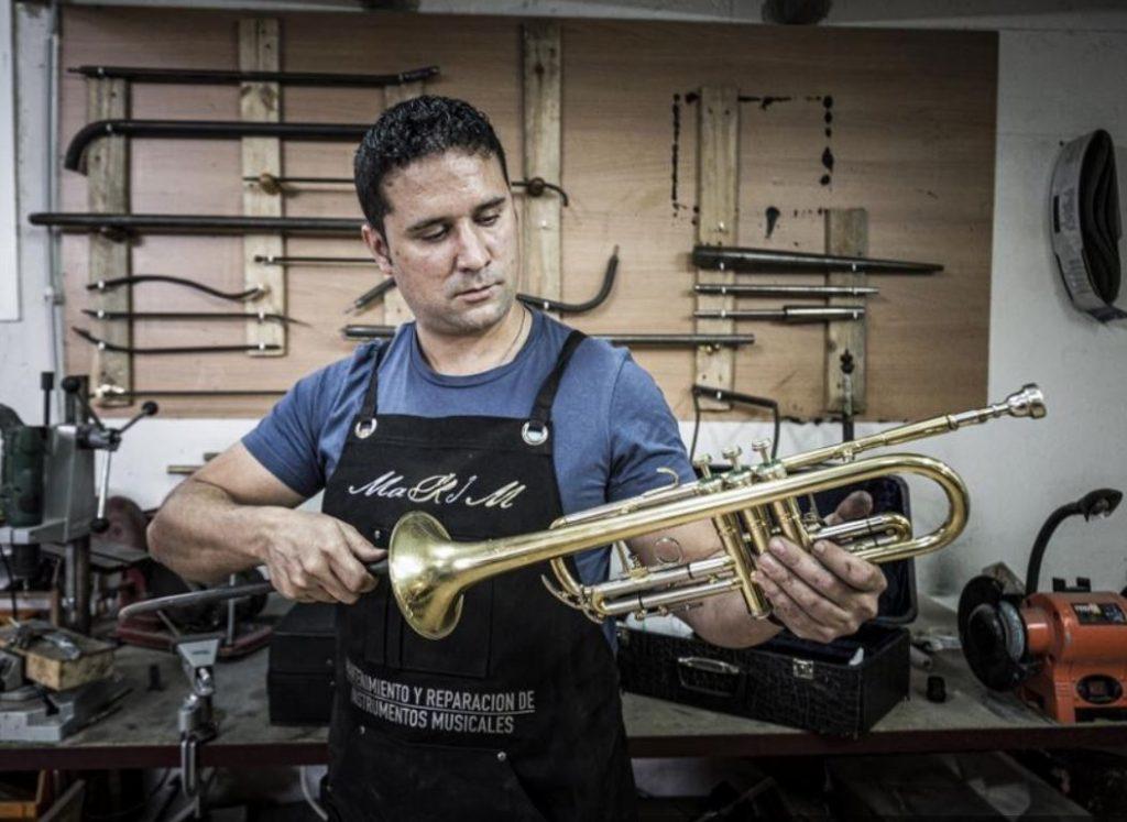 ajuste de trompeta